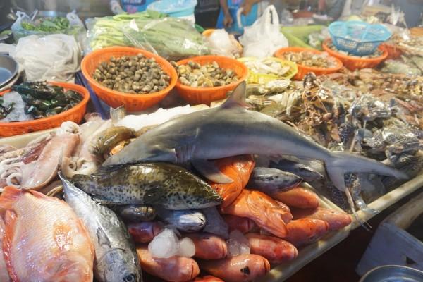 普吉岛 游记   【班赞海鲜市场】接下来推荐的是夜市啦~来海岛吃海鲜