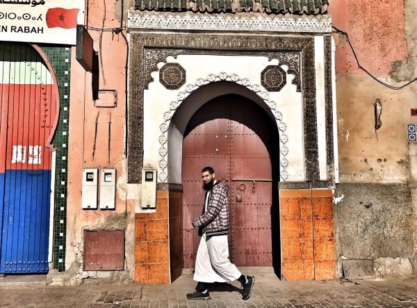 31day2马拉喀什闲逛步行穿过市集先是到了阿里本优素福神