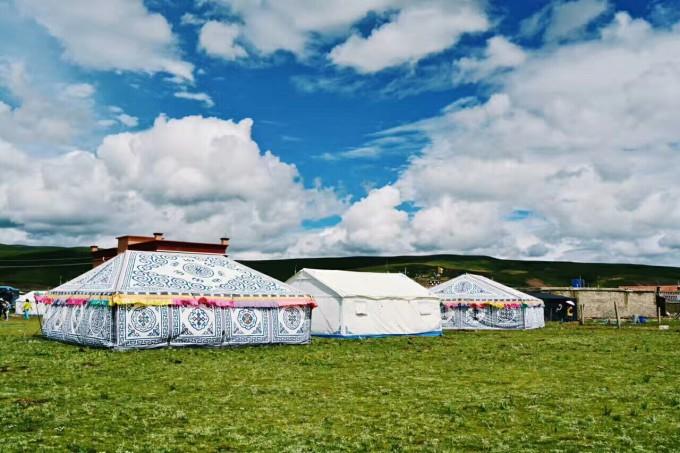 蒙古小孩跳舞的简笔画