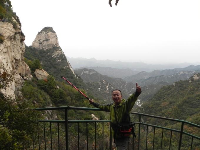 """""""天生桥""""风景区在山西五台山与河北省阜平县交界处,是深藏在太行山"""