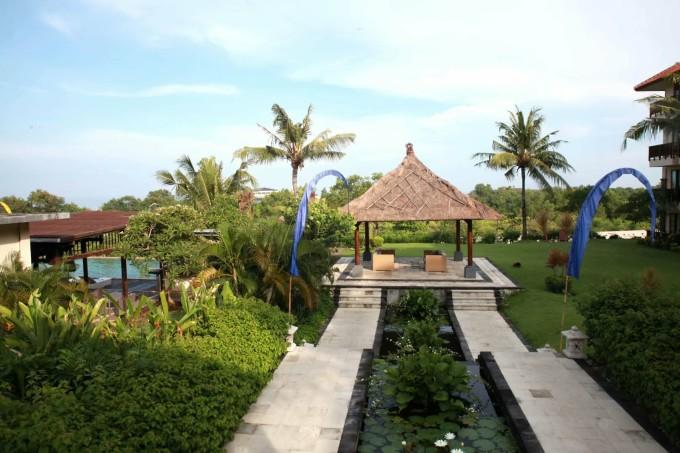巴厘岛是世界最著名的旅游岛之一,是印度尼西亚17000多个岛屿