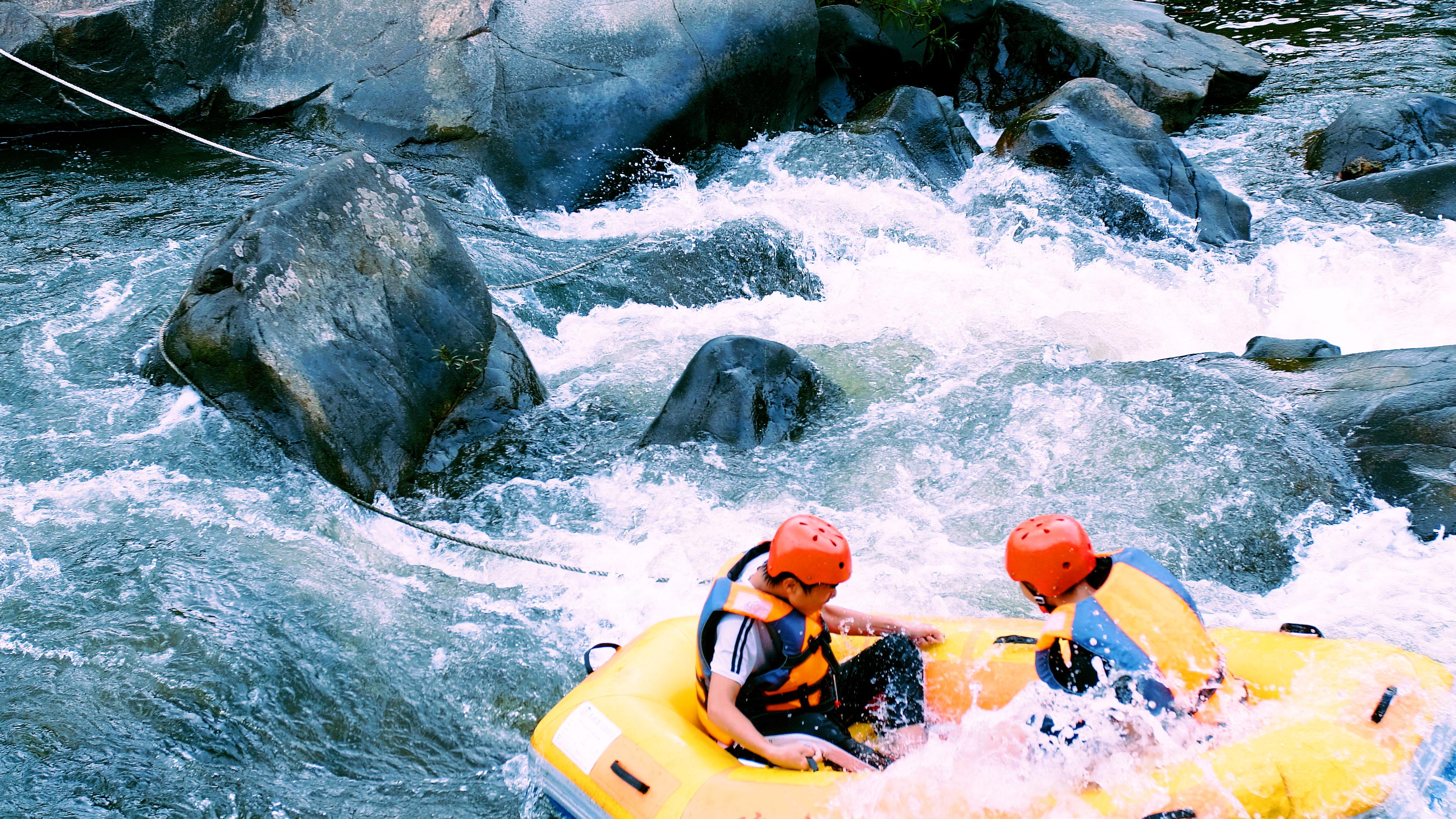 琼中峡漂流体验(空中玻璃漂流 天然峡谷漂流 山水天地