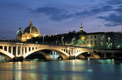 里昂人口_马字开头有名的地名