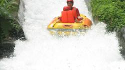 桂林娱乐-龙颈河漂流