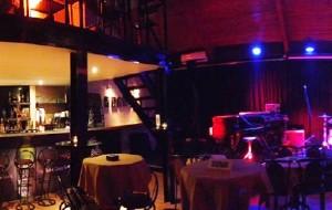 波尔图娱乐-Hot Five Jazz & Blues Club