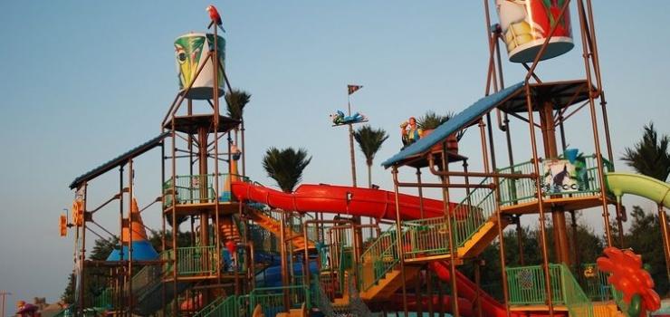 金沙湾海滨浴场(沙雕大世界景区)