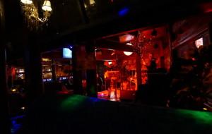 束河娱乐-喜鹊酒吧