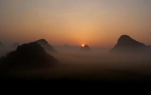 【曲靖图片】2015年农历新年第一缕阳光,我在罗平