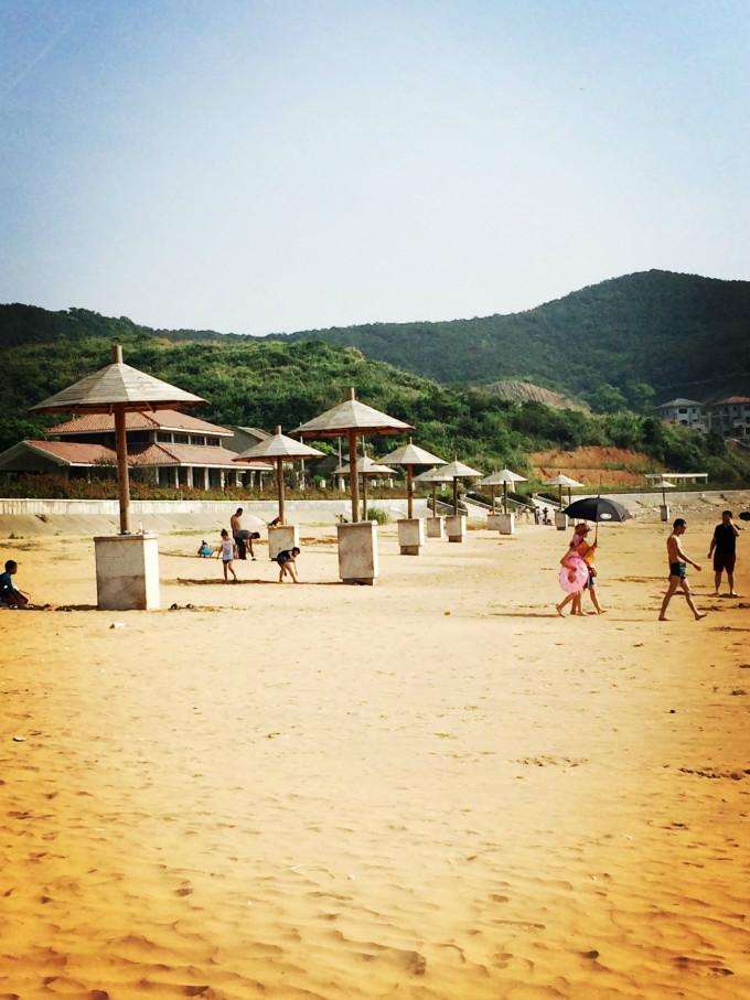 舟山秀山岛2日游,游沙滩,吃海鲜,蓝蓝的天,清澈见底的