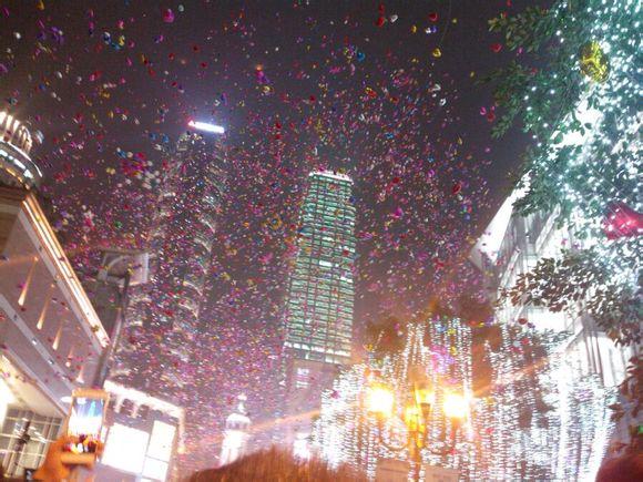 2015疯狂的重庆解放碑跨年现场