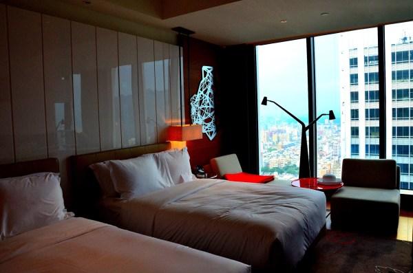 背景墙 房间 家居 酒店 设计 卧室 卧室装修 现代 装修 600_397