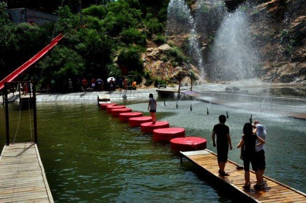 清凉谷旅游风景区,是一条流线型的风景画廊,位于北京市密云县