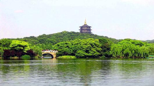 杭州纯玩一日游 船游西湖,赏西湖风光,游宋城,一朝回到千年,赏西湖新十景之一 黄龙洞