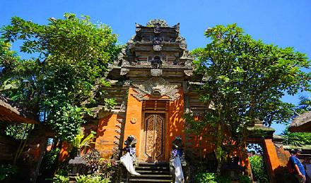 巴厘岛文化漫游一日游(乌布皇宫 乌布市场 小婆罗浮屠
