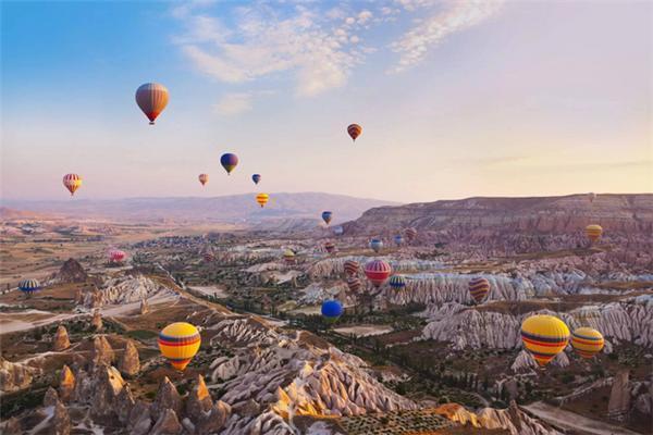 10月土耳其爱琴海岸,地中海岸和伊斯坦布尔的气候宜人,去观赏宏伟的