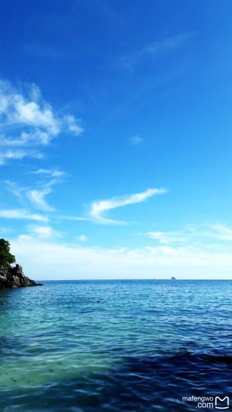 普吉岛 游记   蛋岛的水就是这么清澈,被游客们惯坏了的鱼儿,放肆的在