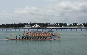 【万宁图片】观看在海南省万宁市和乐镇举行的中华龙舟比赛