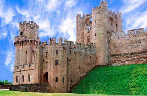 华威城堡是一座位于英国