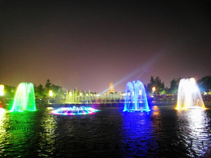 大雁塔音乐喷泉       图片
