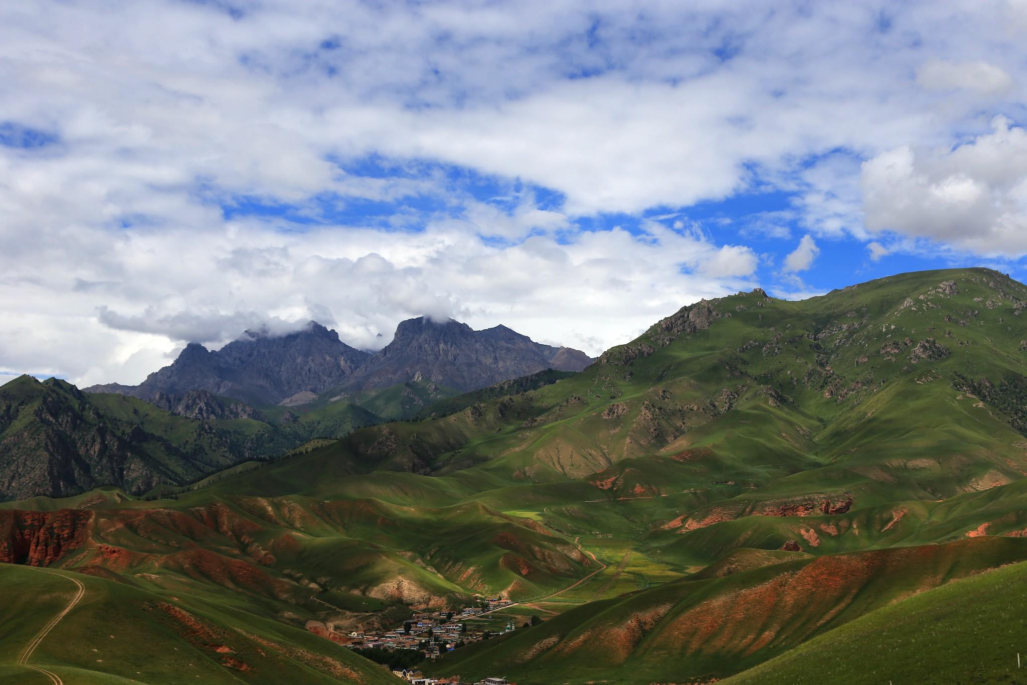 qilian ZhuoEr Mountain